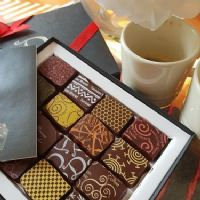 Gift Selection Box (16 Chocolates)